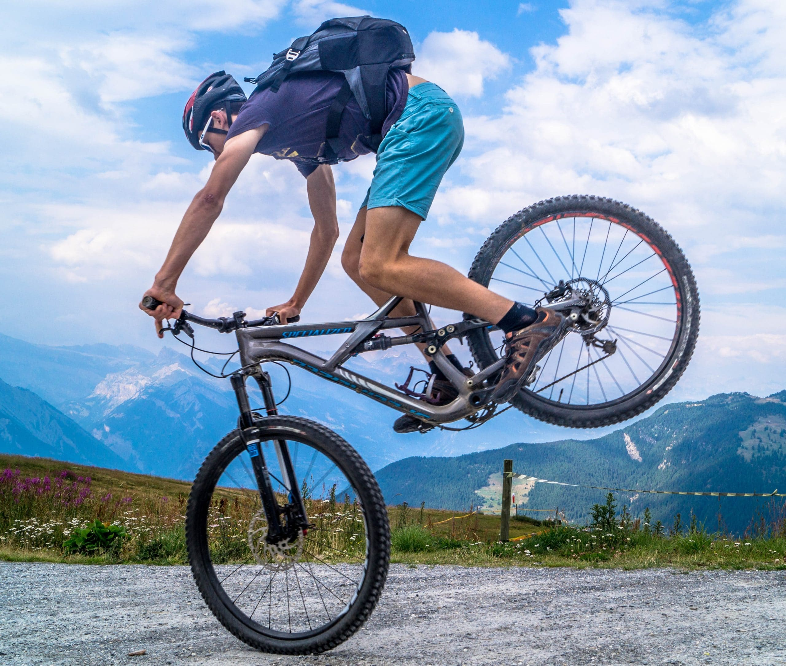 Durability of a Carbon Mountain Bike vs. Aluminum: Image of mountain bike nose stall