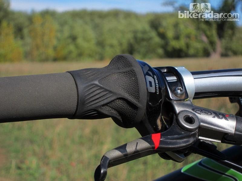 Choosing mountain bike grip shifters depends on terrain and weather